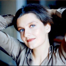 Geraldine Casey2
