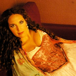 Norah Amsellem, Scene 3